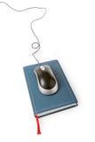 мышь компьютера книги стоковое изображение rf