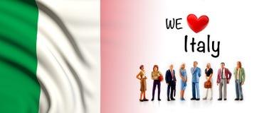 Мы любим Италию, представление группы людей a рядом с итальянским флагом бесплатная иллюстрация