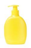 Мыло желтой бутылки жидкостное Стоковые Фото