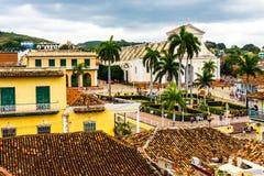 Мэр площади увиденный от музея Тринидада, Кубы стоковые изображения rf