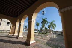 Мэр площади архитектуры Тринидада Кубы колониальный Стоковая Фотография