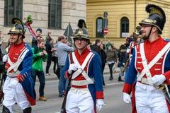 МЮНХЕН, БАВАРИЯ, ГЕРМАНИЯ - 11-ОЕ МАРТА 2018: группа в составе люди в старой Стоковые Изображения RF