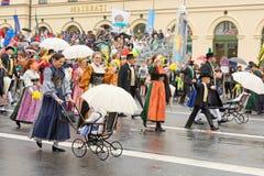 Мюнхен, Германия, 18-ое сентября 2016: Традиционный парад костюма во время Octoberfest 2016 в Мюнхене Стоковые Фотографии RF