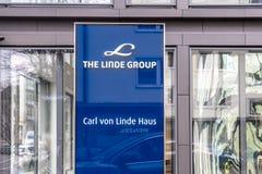 Мюнхен, Германия - 16-ое февраля 2018: Группа Линде поставщик мира ведущий промышленного, отростчатого и специальности Стоковые Изображения