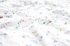 Мягкая белая предпосылка простынь с космосом экземпляра стоковые изображения