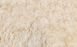 Мягкая белая текстура предпосылки меха для материала мебели Стоковая Фотография