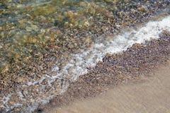 Мягкая волна океана на песчаном пляже Справочная информация Селективный фокус Стоковое Фото