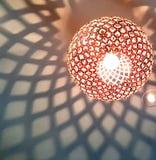 Мягкие картины тени от современного штуцера лампы Стоковая Фотография