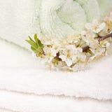 Полотенца с цветками Стоковые Фото