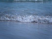 Мягкий край морской воды, конец вверх по съемке Стоковое Изображение RF