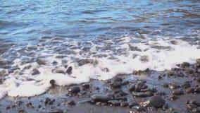 Мягкий прибой моря видеоматериал