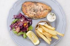Мягкий фокус и яркий стейк рыб Стоковые Изображения RF