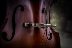 Мягко накаляющ светлый на крупном плане виолончели Стоковое фото RF