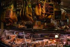 Мясной рынок в Барселоне стоковое изображение rf