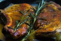 Мясо в сковороде Стоковая Фотография RF