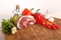 Мясо на прерывая доске Стоковое Изображение RF