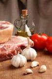 Мясо на прерывая доске Стоковая Фотография RF