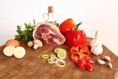 Мясо на прерывая доске Стоковое Фото