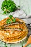 Мясо с грибами и травами испекло в печенье стоковое фото