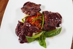 мясо тарелки вкусное Стоковые Изображения