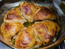 Мясо цыпленка зажарено над низкотермичным стоковая фотография