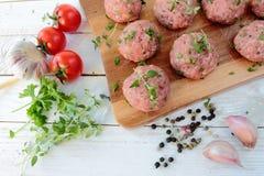 мясо шариков сырцовое Стоковая Фотография RF