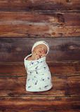 Младенец в глубокой мысли стоковые изображения