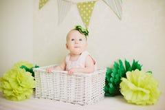 Младенец в коробке Стоковая Фотография