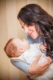 младенец ее мать newborn Стоковое фото RF