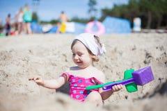 Младенец на пляже Стоковое Изображение