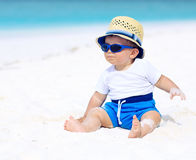 Младенец на пляже Стоковые Изображения RF