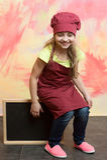 Младенец, счастливый ребенк с доской знамени в кухне или ресторан Стоковое Изображение RF