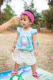 Младенец с футбольным мячом Стоковое Изображение