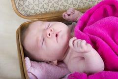 младенец чихая Стоковые Фотографии RF