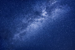 Млечный путь играет главные роли предпосылка Стоковая Фотография