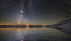 Млечный путь и луна стоковое фото rf