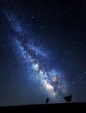 Млечный путь Красивое ночное небо лета с звездами в Крыме Стоковое Изображение