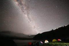 Млечный путь над вулканом Semeru Стоковая Фотография RF