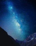 Млечный путь над горой Стоковые Фото