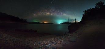 Млечный путь на небе Таиланде Стоковое Изображение RF