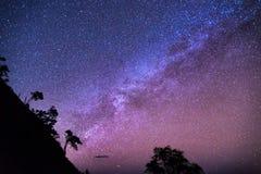 Млечный путь через гору Стоковые Изображения