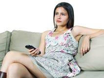 наблюдать tv девушки Стоковая Фотография RF