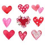 Набор акварели руки покрасил красные и розовые сердца, изолированные на белой предпосылке бесплатная иллюстрация