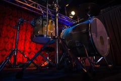 Набор барабанчика в студии звукозаписи Стоковые Фото