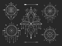 Набор вектора священных геометрических и естественных символов на черной предпосылке Абстрактный мистик подписывает собрание иллюстрация вектора