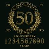 Набор знака годовщины Золотые номера, рамка и некоторые слова Стоковое фото RF