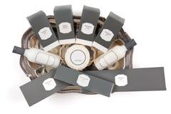 Набор приятностей гостиницы на серебряном диске Стоковые Изображения