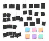 Набор реалистический висеть и приколотые ретро квадратные шаблоны и рамки фото бесплатная иллюстрация