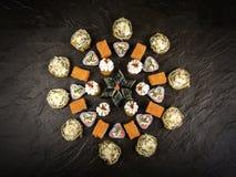 Набор свежих кренов в японском стиле стоковые фото