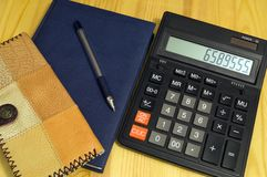 Набор финансов для того чтобы контролировать финансы и их вычисление стоковые фотографии rf